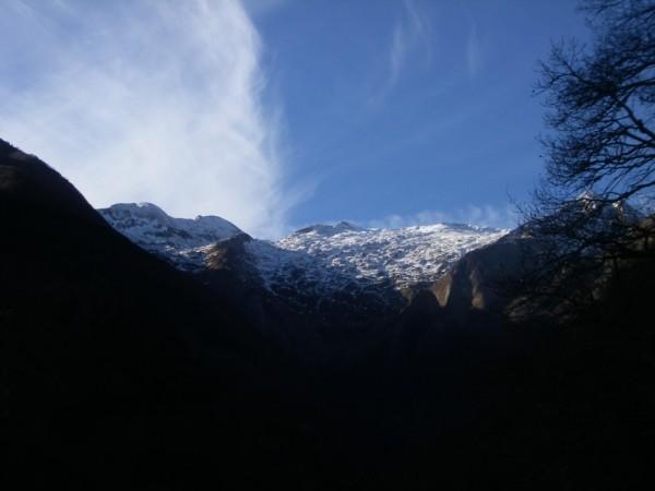 Quelques sommets enneigés.